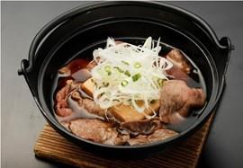 ご飯がすすむ逸品〖肉豆腐の小鍋仕立て〗の作り方