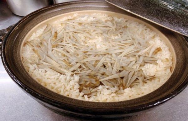 米料理 簡単美味しく炊ける土鍋ご飯 【牛蒡の土鍋飯】の作り方