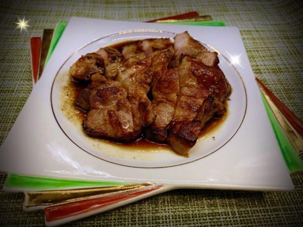 肉料理レシピ 簡単美味しい 【豚肩ロース肉のステーキ】の作り方